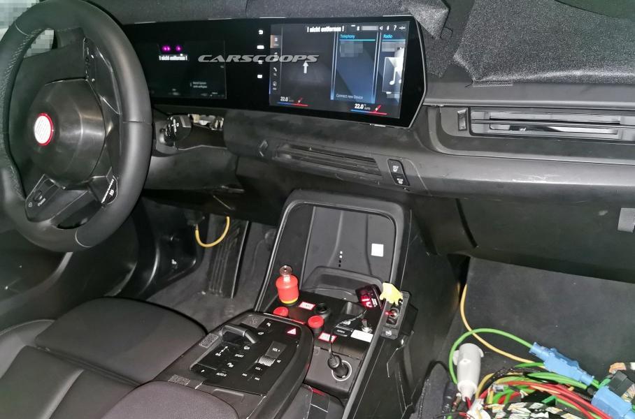 novye avtomobili bmw poluchat izognutyj ekran