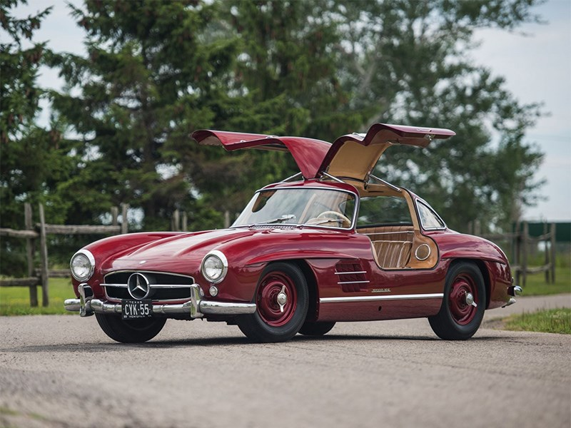 novyj mercedes benz sl stanet obrazczom avtomobilnoj klassiki