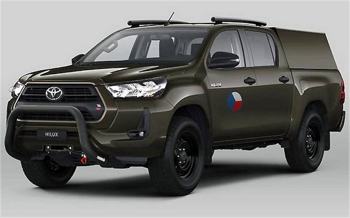 Czech army selects the Toyota Hilux pickup as new standard 4x4 tactical vehicle 925 001 1