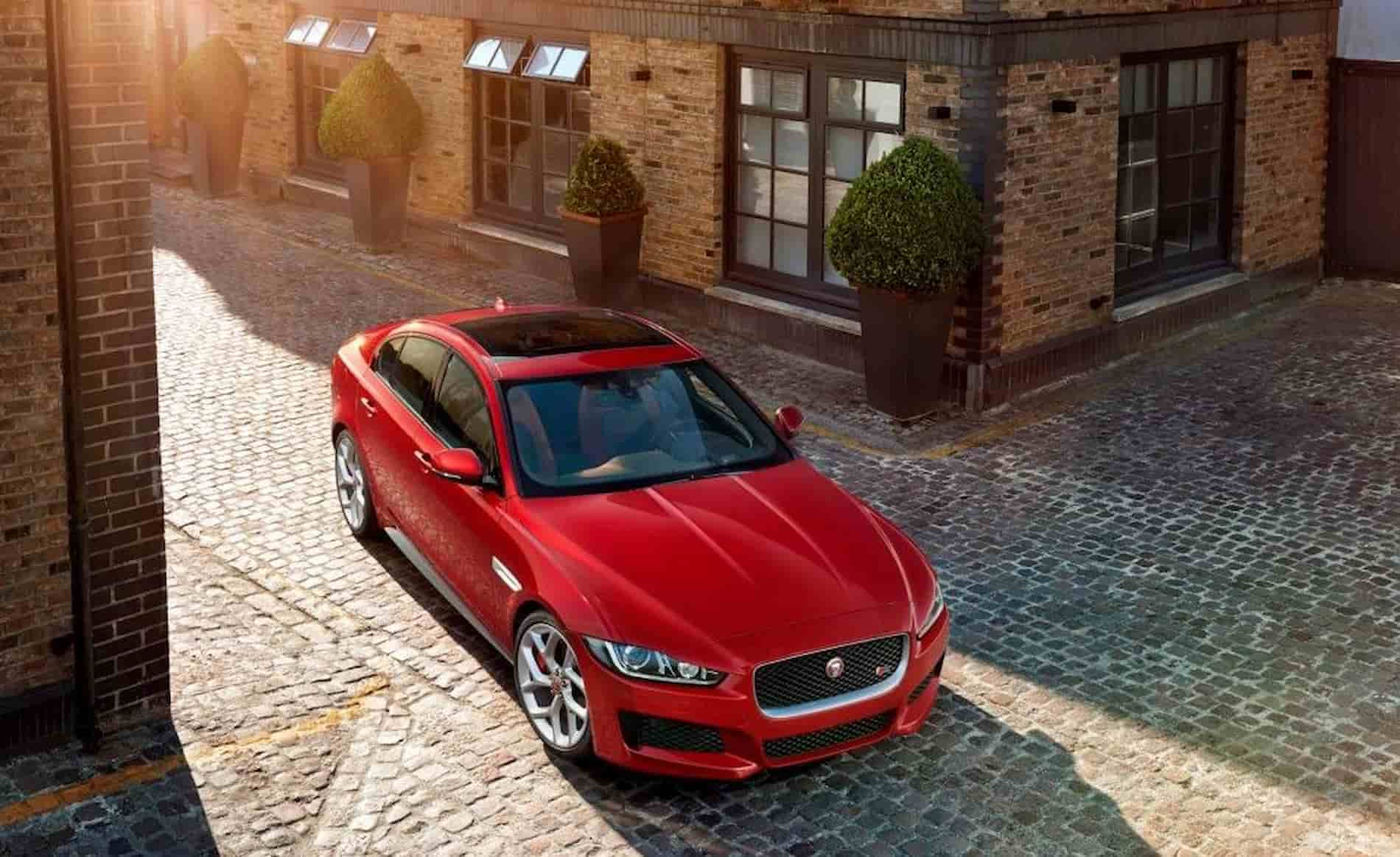 jaguar xe foto 3