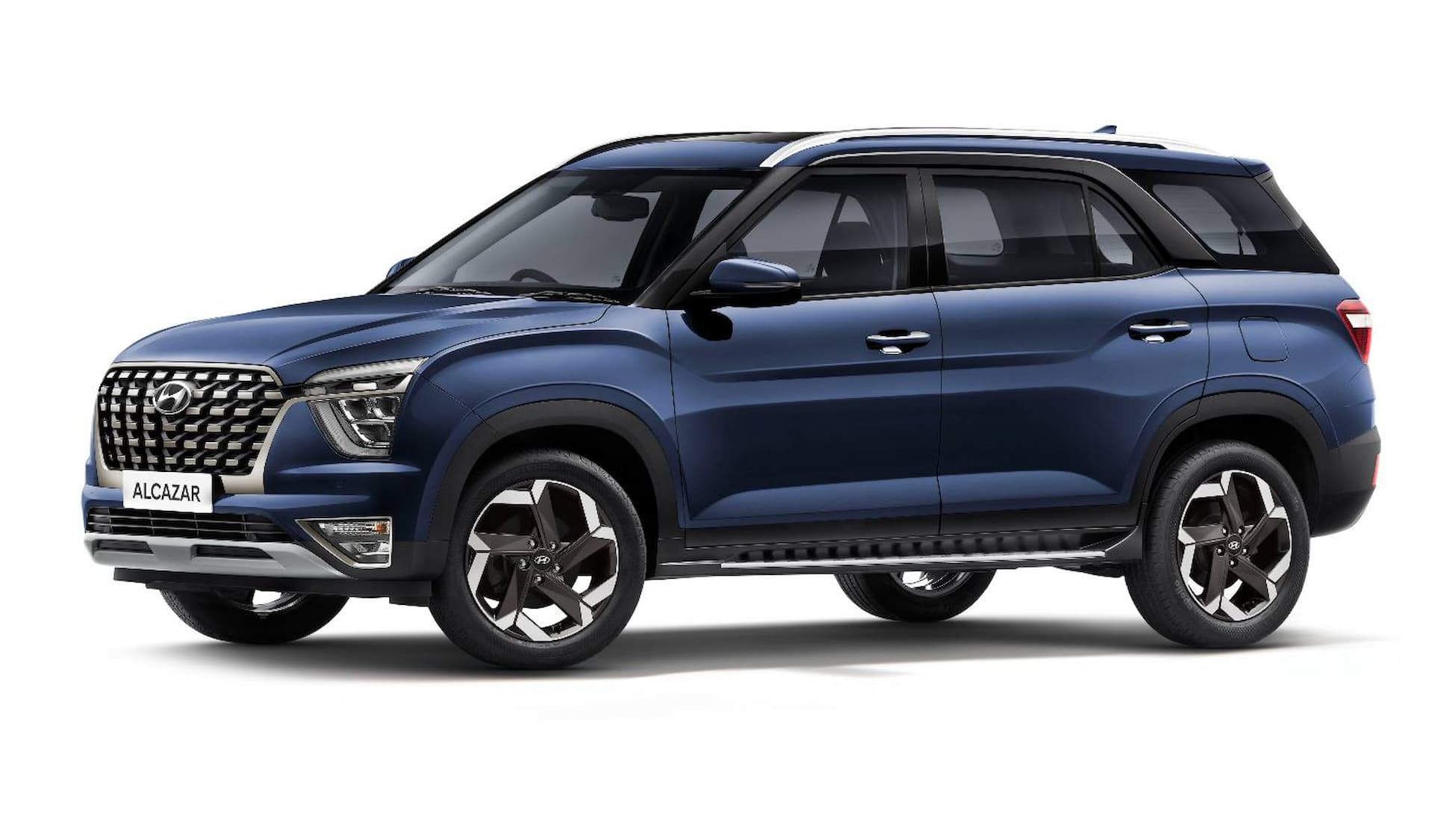 hyundai alcazar launched in india at starting price of rs 16 30 lakh