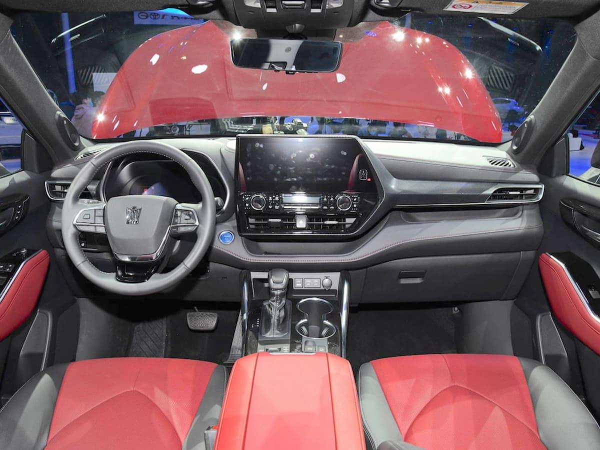 toyota crown kluger interior dashboard 1024x768 1