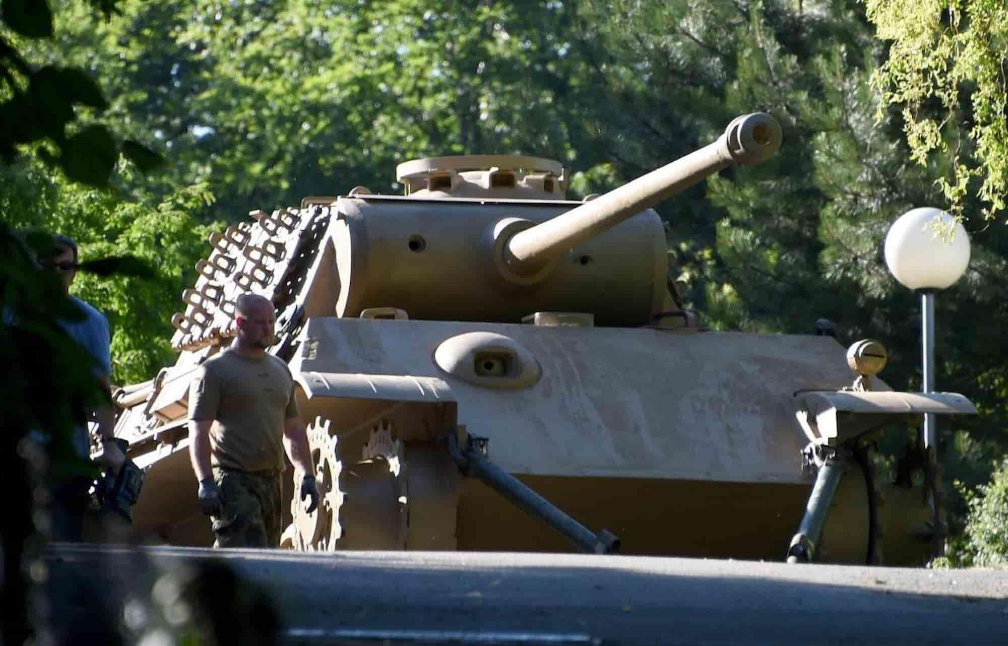 Prozess um Panzer in Villenkeller geht weiter
