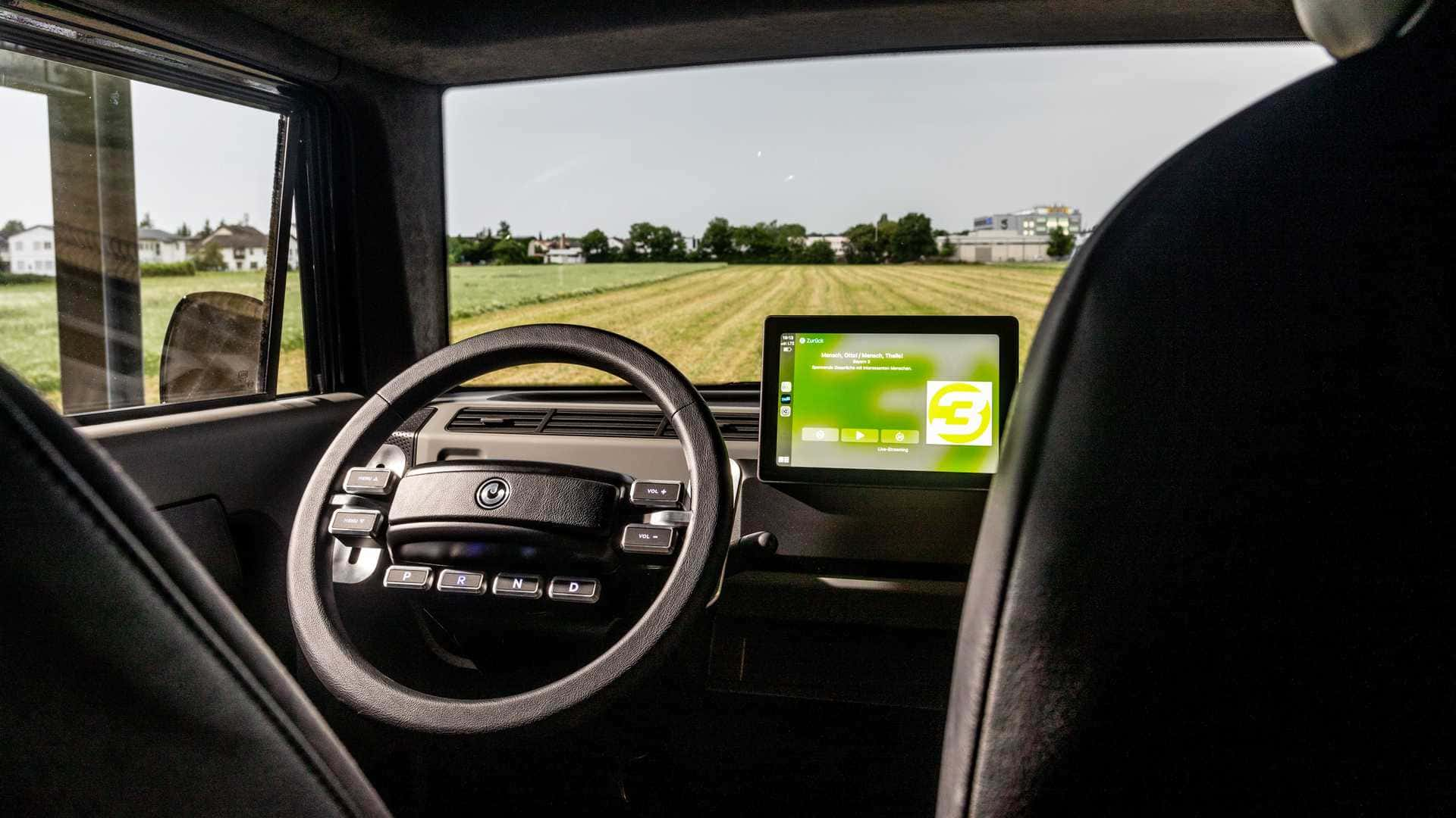 electric brands xbus 2022 cockpit 1