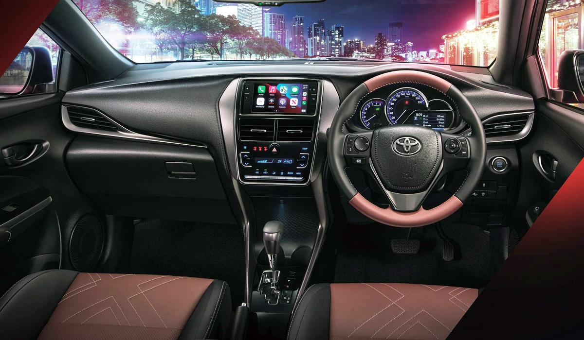Toyota Yaris XUrban3