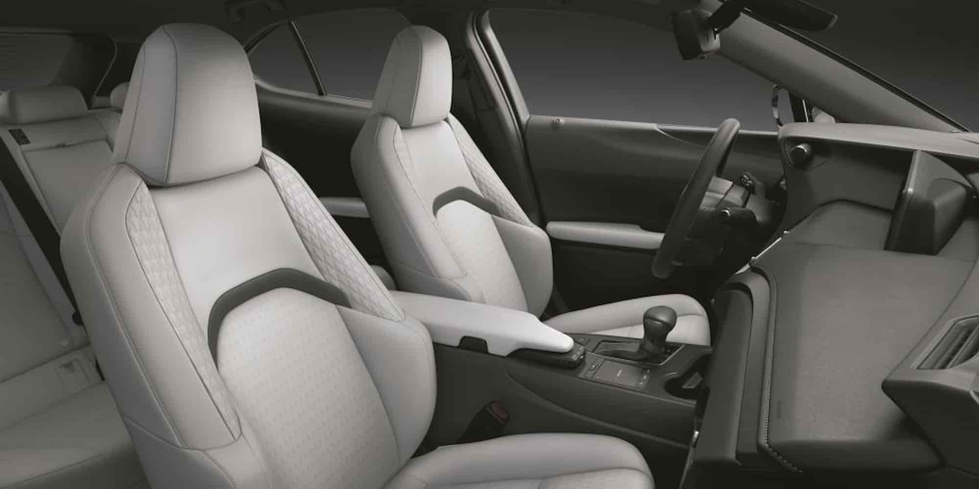 UX 250h MY22 interior 1